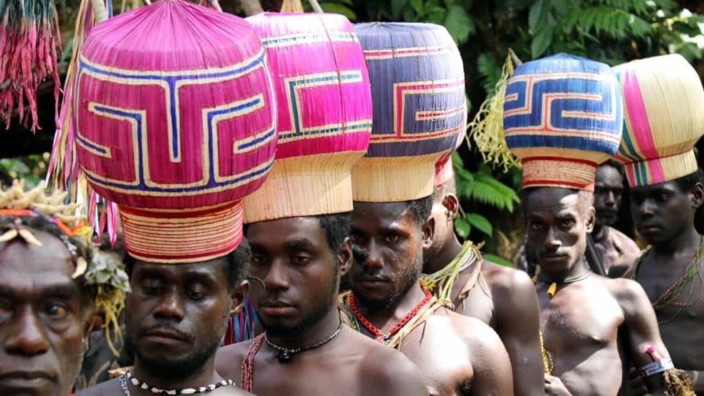 Papua Yeni Gine Etnik Gruplar