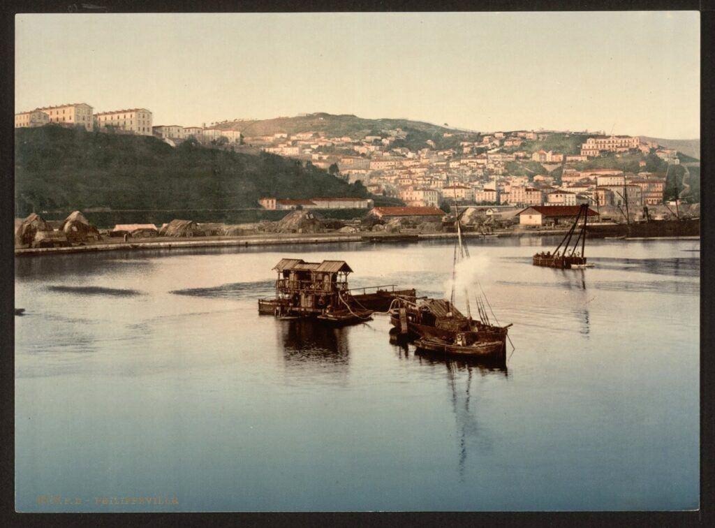 Cezayir limanı Skikda