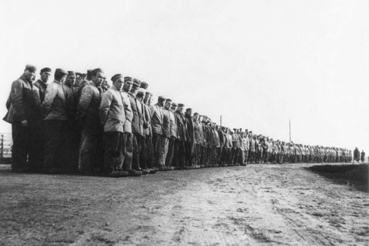 çalışma kampındaki alman siyasi mahkumlar