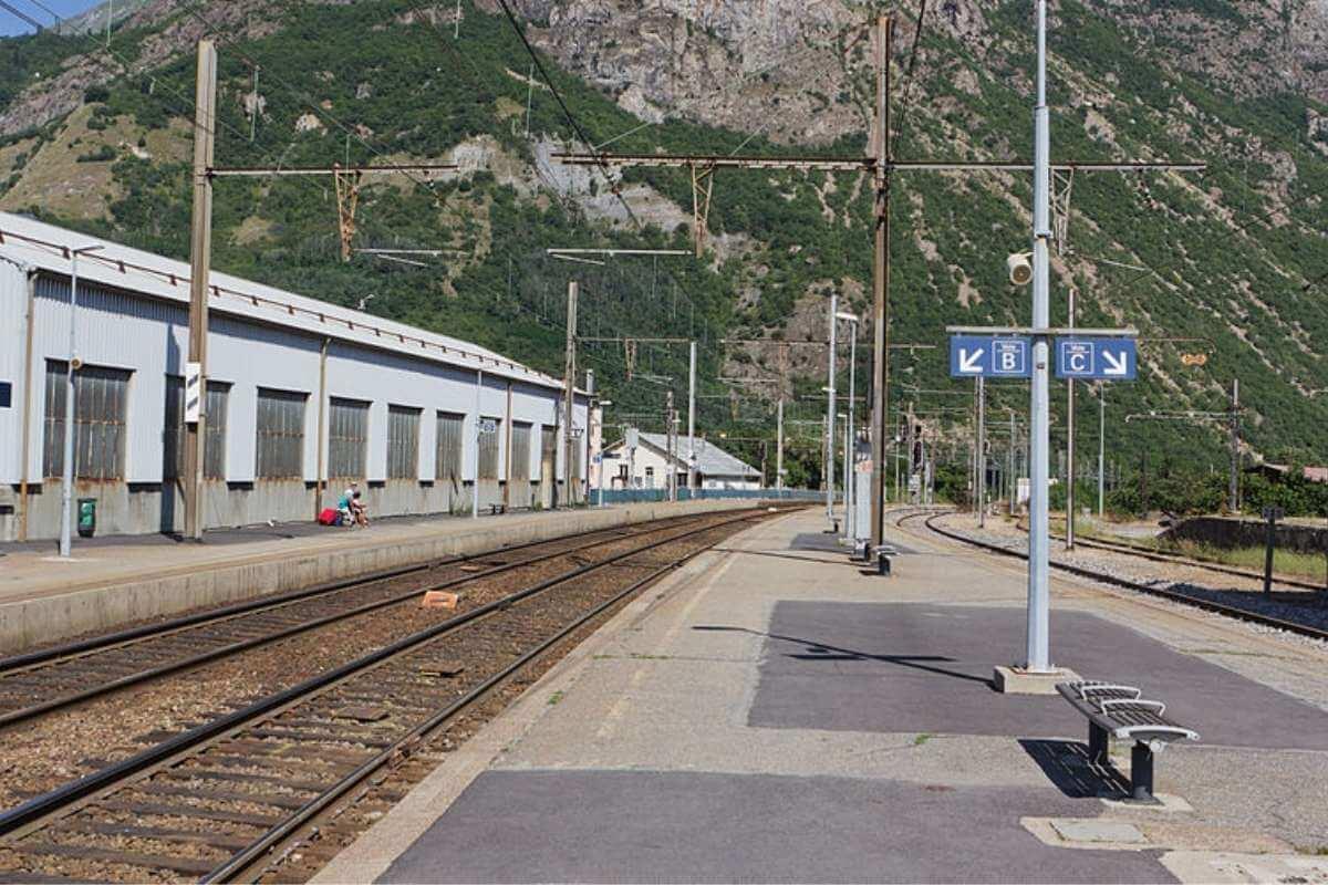 saint jean de maurienne tren istasyonu