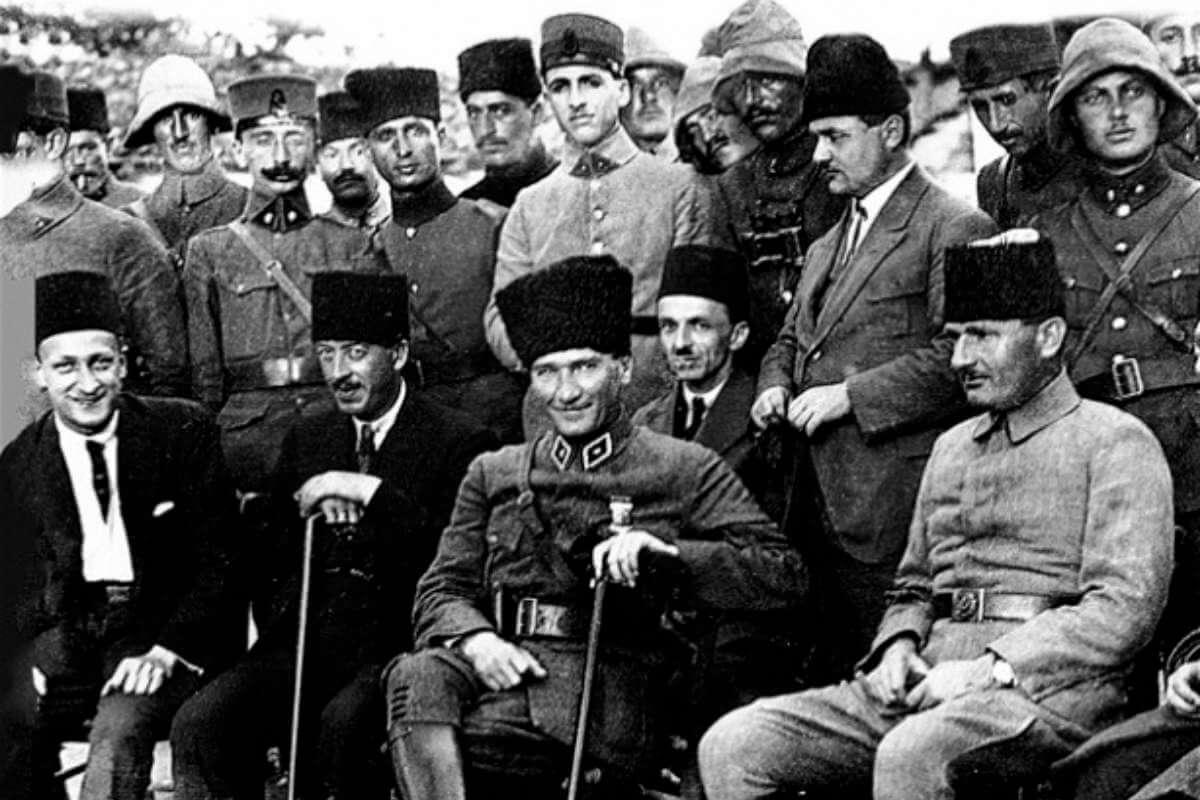 atatürk kocaeli grup komutanlığı karargahında