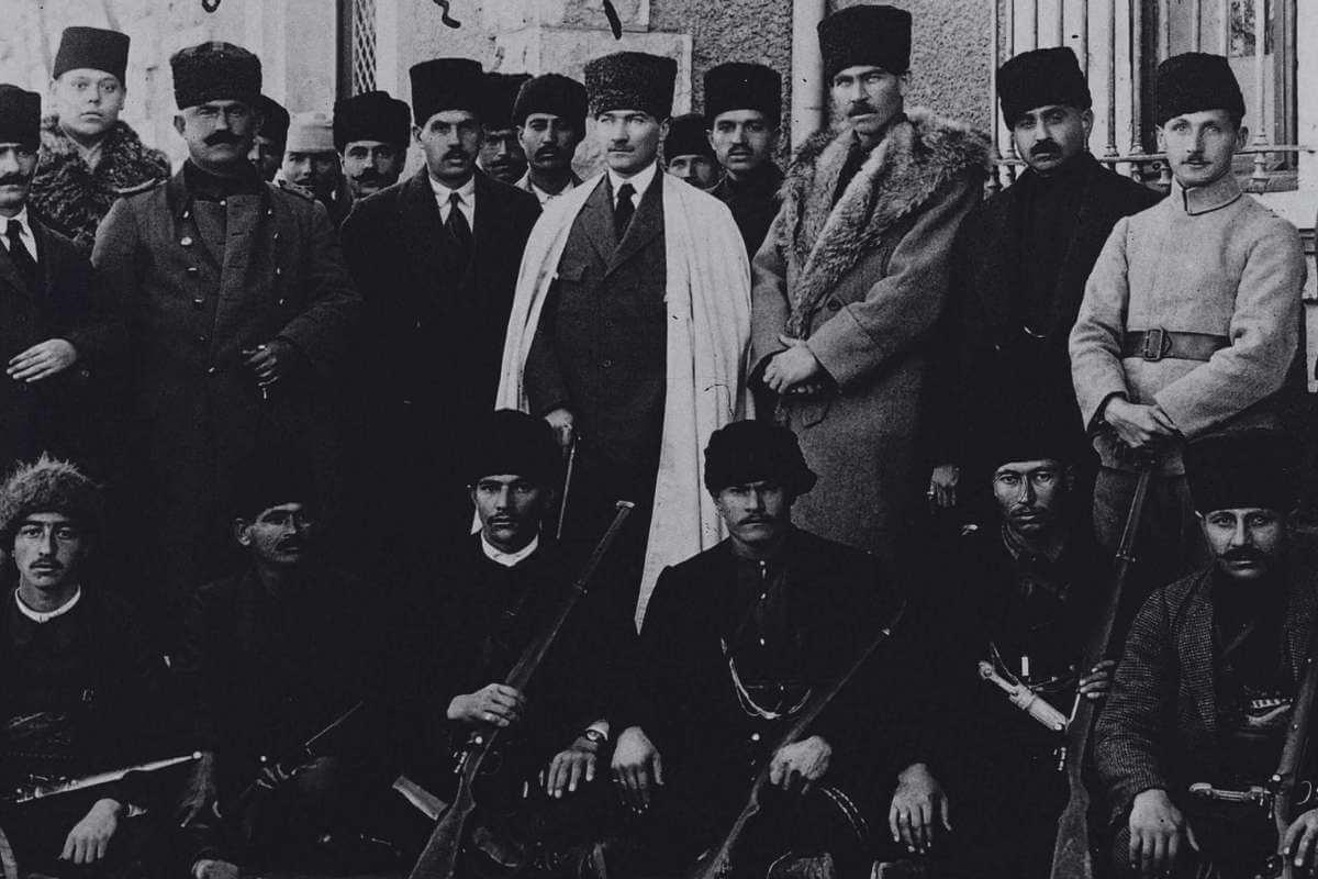 ankara hükümeti ile istanbul hükümeti arasında yaşanan mücadele